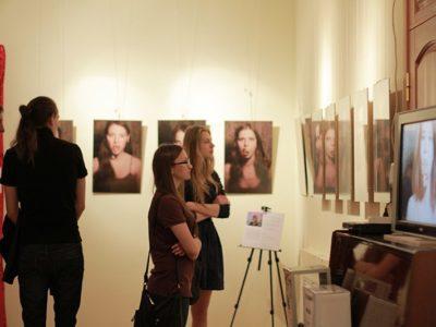 Проект KVITY. Фото-виставка Анастасії Міхно