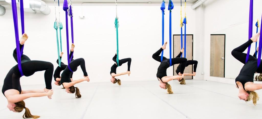 Fly-yoga. Понедельник-среда-пятница, начало в 12.00.