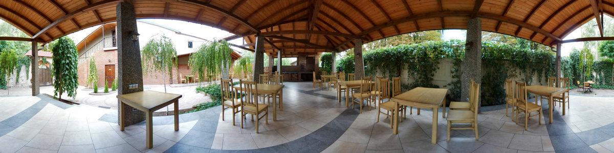 Кафе Колыба — банкетный зал, летняя площадка
