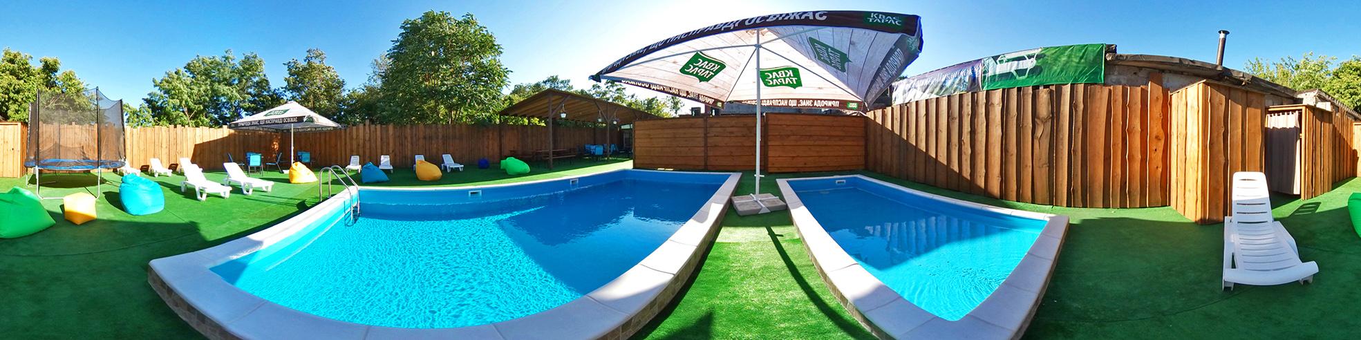 Пикник-зона с бассейном